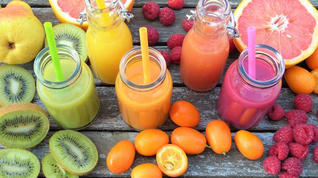 ستة أنواع من الفاكهة