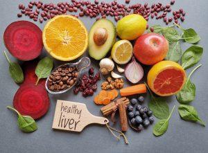 أفضل الأغذية التي تعمل على تنظيف الكبد